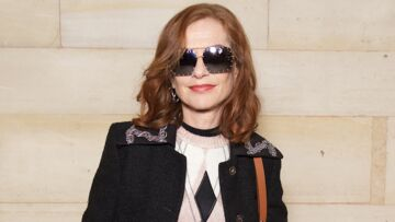 PHOTOS – Isabelle Huppert en pantalon à paillettes et lunettes noires:  elle fait sensation chez Louis Vuitton!
