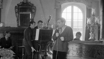 Charles Aznavour: sa sublime maison de Monfort-l'Amaury est à vendre à un prix exorbitant