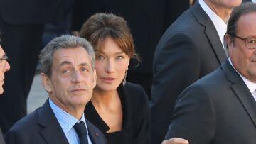 VIDEO – Carla Bruni Nicolas Sarkozy et François Hollande complices lors de l'hommage à Charles Aznavour