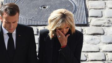 PHOTOS – Brigitte Macron, en pleurs, lors de l'hommage national à Charles Aznavour
