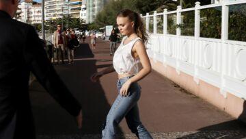 PHOTOS – Lily-Rose Depp, lolita branchée au festival de Saint-Jean-de-Luz