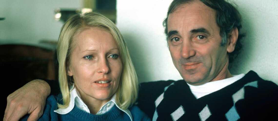 charles aznavour pourquoi sa femme ulla n 39 tait pas ses c t s le jour de sa mort gala. Black Bedroom Furniture Sets. Home Design Ideas