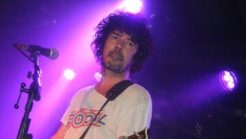 Yarol Poupaud le guitariste de Johnny Hallyday, fâché avec Laeticia? Comment il a tourné la page