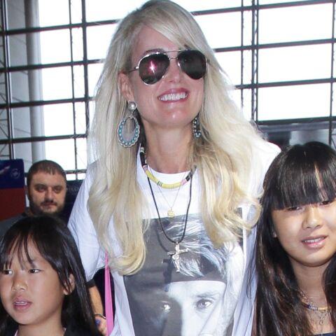 PHOTOS – Jade Hallyday premier soutien de Laeticia, elle aussi fait un clin d'œil à Johnny