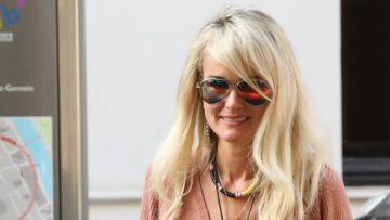 VIDÉO – Laeticia Hallyday: pourquoi elle demande à lire les questions avant les interviews