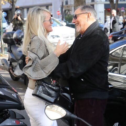 PHOTOS – Laeticia Hallyday: ses chaleureuses retrouvailles avec Jean-Claude Camus, le manager historique de Johnny