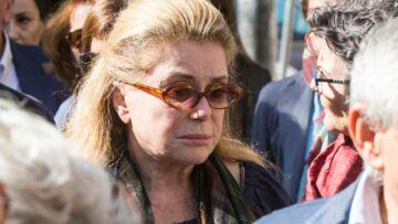 PHOTOS – Catherine Deneuve, digne aux obsèques de sa belle-fille Barbara, fille de son ex Marcello Mastroianni