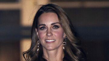 PHOTOS – Kate Middleton tout sourire et décontractée: la duchesse plus glam que jamais
