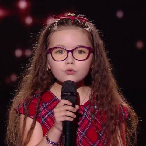 """The Voice Kids 5: La petite Emma """"chante pour oublier la maladie"""", selon ses parents qui se confient après sa bouleversante prestation"""