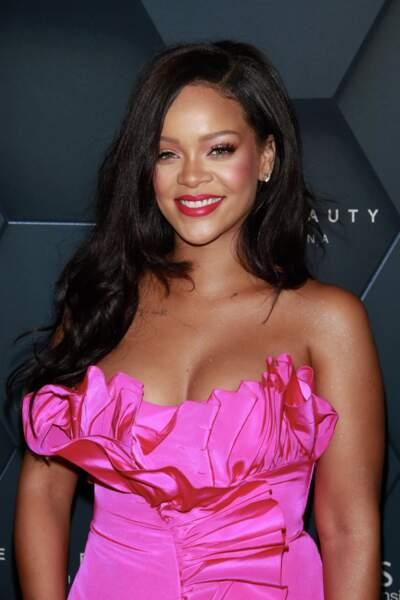 Rihanna vient de fêter l'anniversaire de sa marque de maquillage Fenty Beauty... et sa base correctrice de pores!