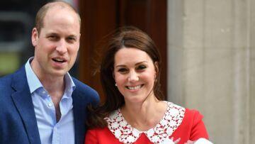 VIDÉO – Kate Middleton et son fils le prince Louis: leur voyage en hélicoptère ne passe pas inaperçu