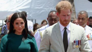 Pourquoi Meghan Markle marche toujours quelques pas derrière son mari Harry?