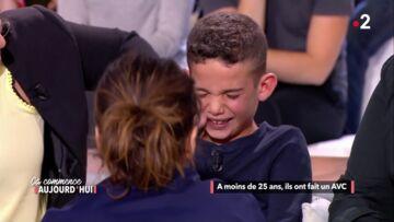 VIDEO – Faustine Bollaert, émue, réconforte un enfant en larmes dans Ca commence aujourd'hui