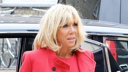 204ef53b9c8 PHOTOS – Brigitte Macron recycle son manteau blanc   un modèle tendance qui  va cartonner cet
