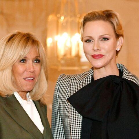 PHOTOS – Brigitte Macron et Charlene de Monaco sublimes et particulièrement proches pour un déjeuner à Versailles