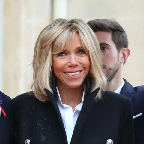 PHOTOS – Brigitte Macron: découvrez ce caban dont elle ne peut définitivement plus se passer…