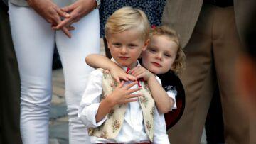 PHOTOS – Les adorables Jacques et Gabriella, jumeaux d'Albert et Charlène de Monaco, sous le charme de Brigitte Macron et du chien Nemo