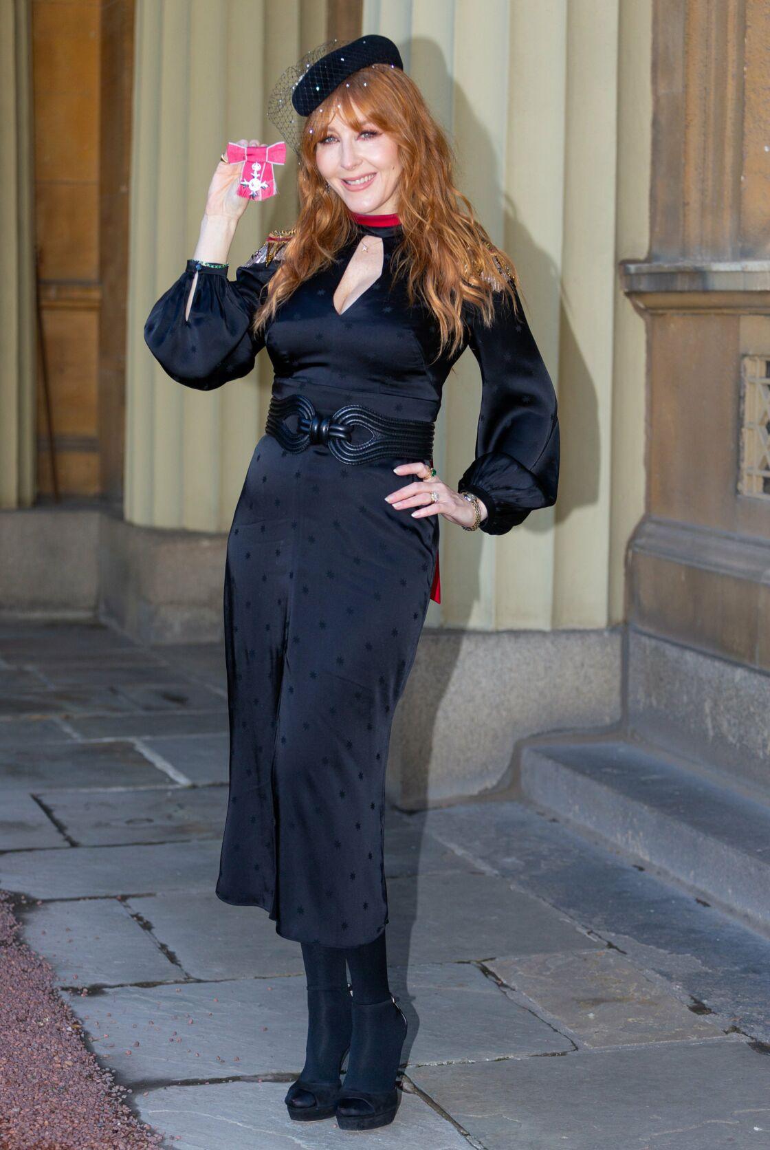 Charlotte Tilbury reçoit le MBE Awards à Buckingham, le 13 novembre.