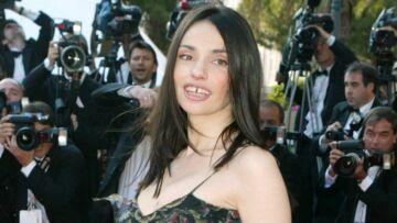 VIDÉO – Béatrice Dalle gênée: ce jour où sa famille l'a vu nue dans un film