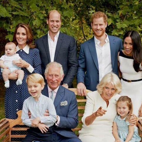 Pourquoi le prince Charles, William et Harry, Kate et Meghan éclatent de rire sur leurs photos de famille récemment dévoilées