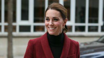PHOTOS – Découvrez pourquoi Kate Middleton et Meghan Markle s'habillent pareil le même jour!