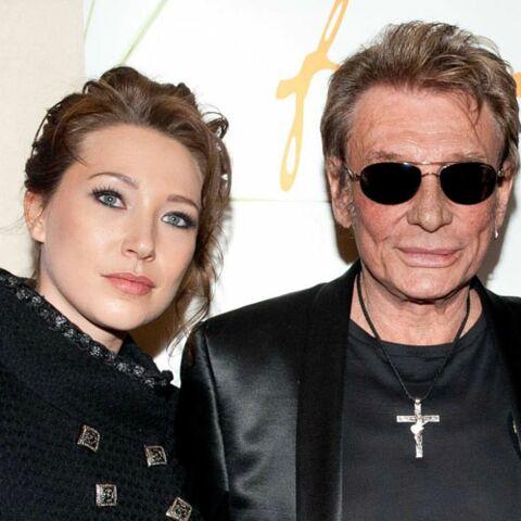 """Johnny Hallyday """"pollué"""" par les problèmes de sa fille Laura, l'inquiétude de Laeticia"""