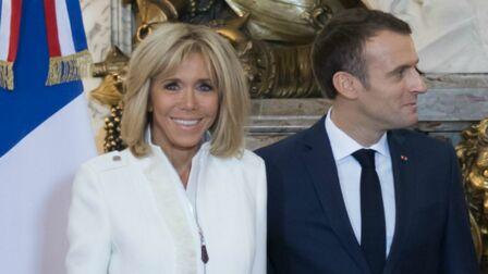 9a2c7498ee4 PHOTOS – Brigitte Macron chic et moderne   elle renoue avec la veste en zip  et