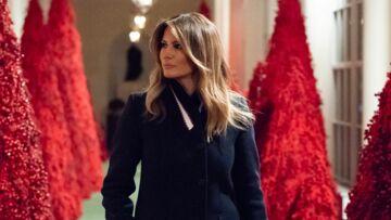 Melania Trump, critiquée pour les sapins rouges de la Maison Blanche, répond à ses détracteurs