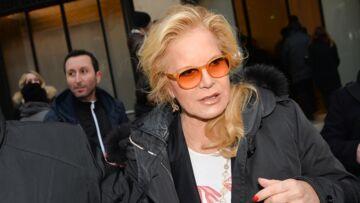 """PHOTO – Sylvie Vartan: ce """"signe"""" que Johnny Hallyday lui envoie"""