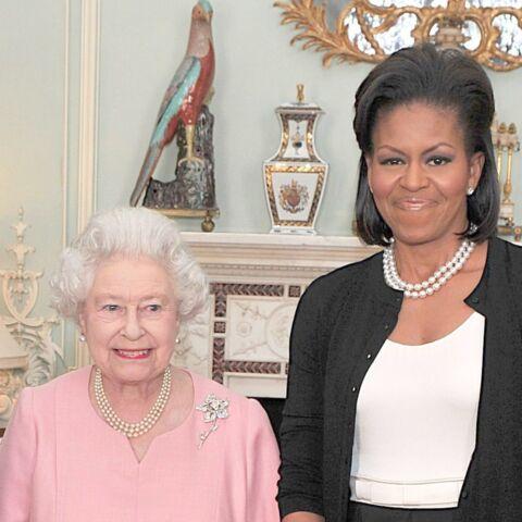 Elizabeth II et cette «foutaise» de protocole: Michelle Obama révèle l'avis de la reine sur les usages à Buckingham