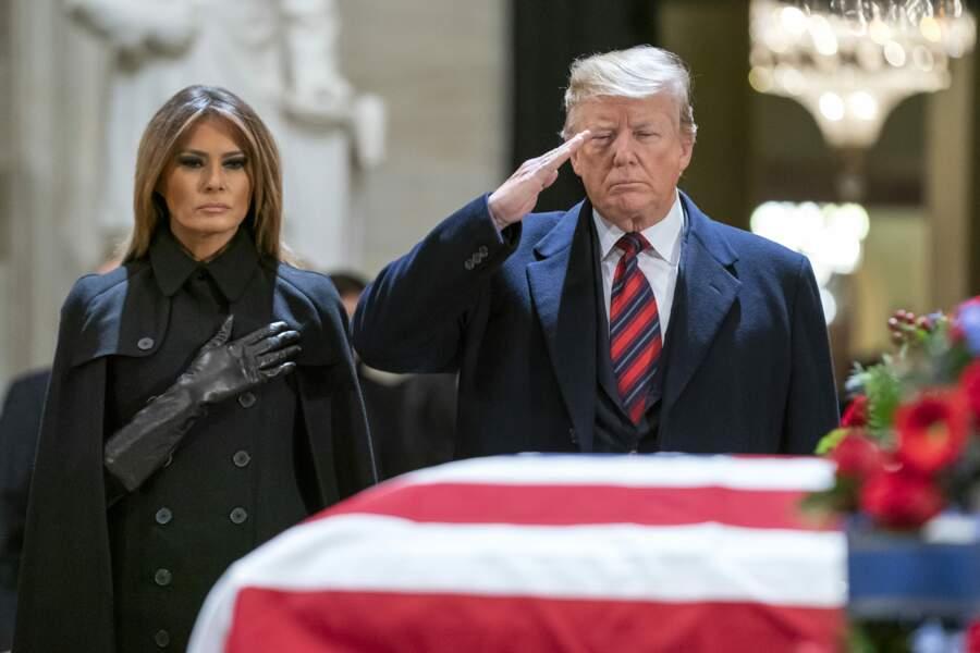 Une journée de deuil national a été décrétée mercredi 4 décembre, jour des funérailles