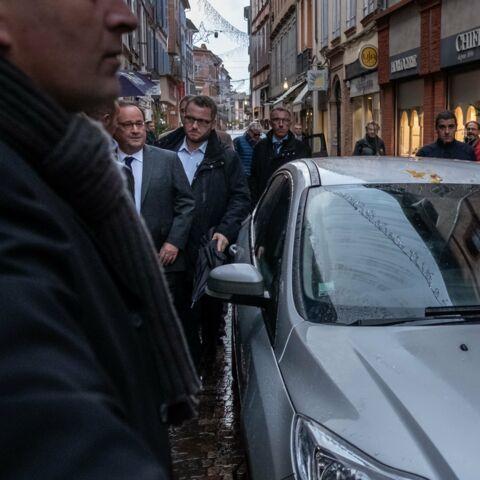 François Hollande: cette séance de dédicaces chahutée par les Gilets jaunes
