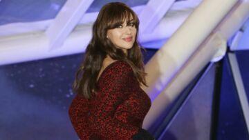 PHOTOS – Monica Bellucci mutine et sexy à la fois avec sa frange longue et ses cheveux ondulés