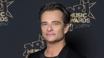 "David Hallyday évoque son ""manque de courage"" face à son père Johnny"