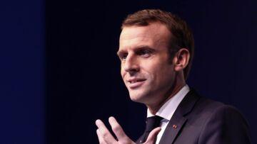 """Emmanuel Macron, """"mis à la machine à baffes"""": la drôle de phrase d'un maire, après un entretien avec le président"""