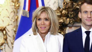 Brigitte Macron première dame discrète dans la crise, elle a tiré les leçons de la gaffe de Valérie Trierweiler