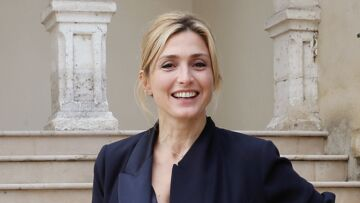 Julie Gayet, embarrassée par une question sur Brigitte Macron et Carla Bruni