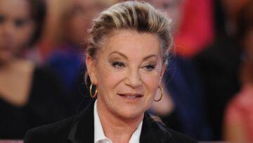 """VIDÉO – Sheila: pourquoi elle estime que Sylvie Vartan """"a beaucoup de chance"""""""