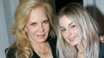PHOTO – Sylvie Vartan, très pressée de retrouver sa fille Darina, à Los Angeles