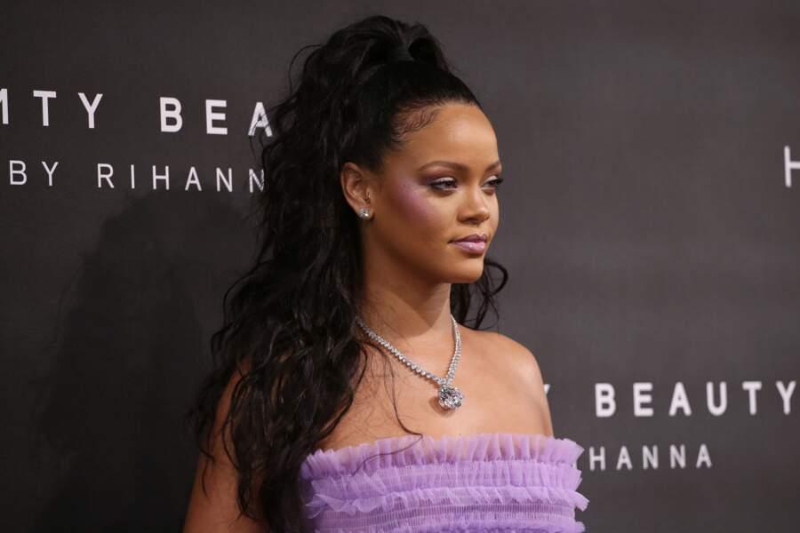 Demi-queue de cheval façon palmier XXL comme Rihanna