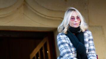VIDÉO – Emmanuelle Béart: ses confidences sur l'album hommage à son père Guy Béart