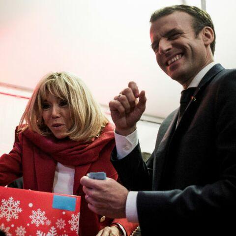 EXCLU – Emmanuel et Brigitte Macron: ce drôle de cadeau prochainement proposé par la boutique de l'Elysée