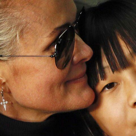 PHOTO – Laeticia et Jade Hallyday: ce nouveau cliché qui fait réagir Mamie Rock