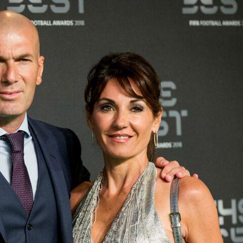 PHOTO – Véronique Zidane, à nouveau entourée de son mari et de ses fils en maillots de bain: encore un cliché qui donne des complexes