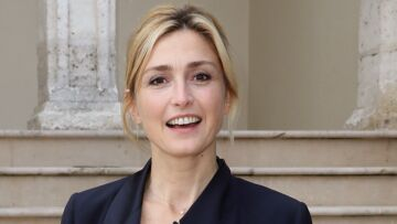VIDEO – Julie Gayet : sa petite phrase peu aimable envers Emmanuel Macron