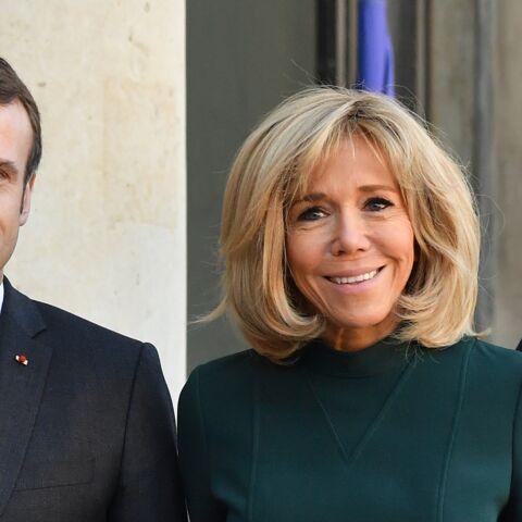 PHOTOS – Brigitte Macron très élégante à l'Elysée:  elle renoue avec les  robes courtes qui dévoilent ses jambes