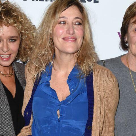 PHOTOS – Valeria Bruni Tedeschi, la soeur de Carla Bruni, pose fièrement avec leur mère Marisa et sa petite fille Oumy