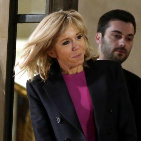 PHOTOS – Brigitte Macron rencontre la Première dame israélienne et brave le froid en jolie robe courte fuchsia et manteau ajusté