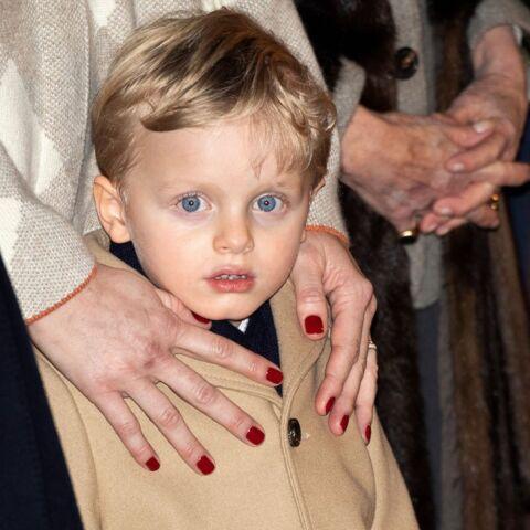 PHOTOS – Le prince Jacques ultra looké en Gucci avec son papa Albert de Monaco et sa maman Charlene pour fêter Sainte Devote à Monaco