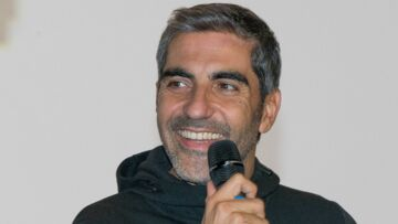 Ary Abittan père célibataire de 3 filles: quel papa est-il?